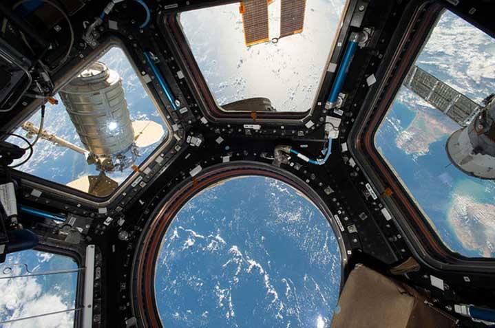11 юли 1979 г. - Първата американска космическа станция Скайлаб се ...
