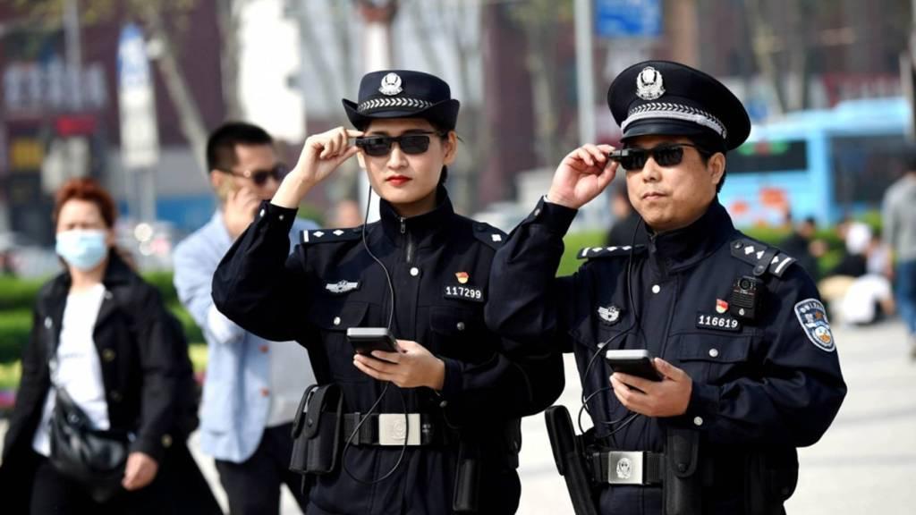 китайски полицаи